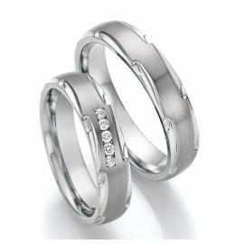 ausgefallene Design Eheringe aus Titanium mit Brillanten