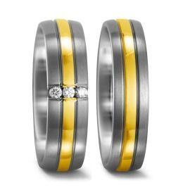 exklusive ausdrucksstarke Eheringe mit hellem Gold & Titanium
