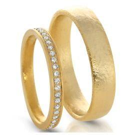 Royale Hochzeitsringe aus Gelbgold mit Brillanten