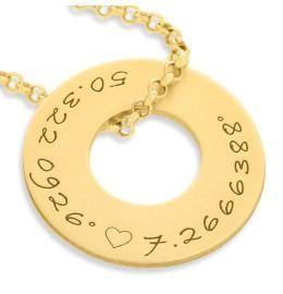 Kette mit Wunschgravur vergoldet, Ring Anhänger Koordinaten